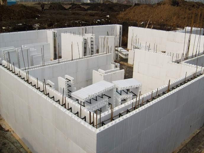 Применение несъёмной опалубки для возведения стен
