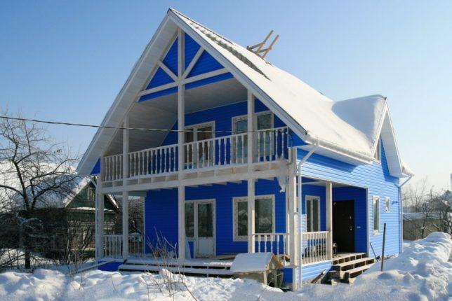 Особенности строительства каркасного дома зимой