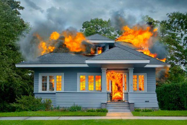 Пожар в каркасном доме