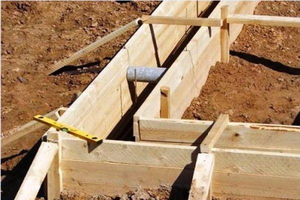 Материалы и инструменты для строительства опалубки