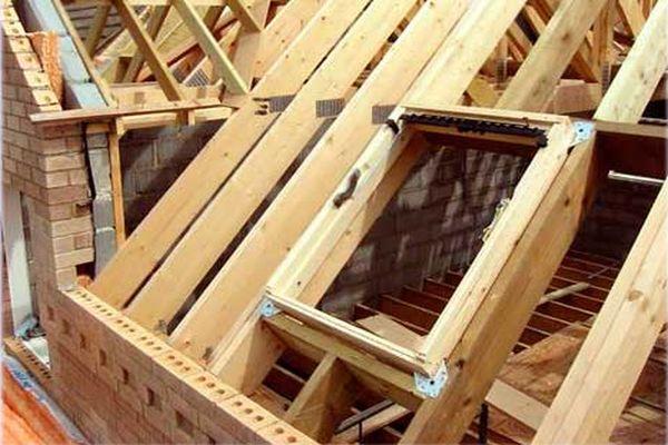 Монтаж конструкции под окно